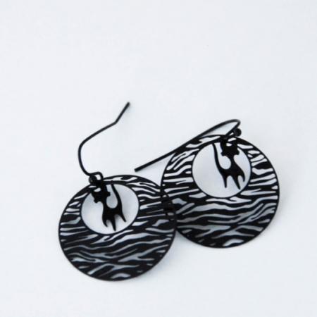 zwarte zebra oorbellen met poes