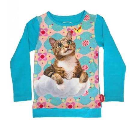 T'shirt kat op wolken