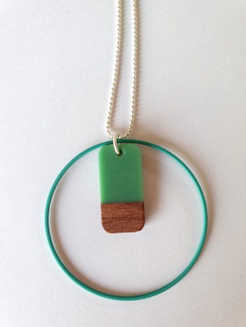 Halsketting met hars en hout - 007