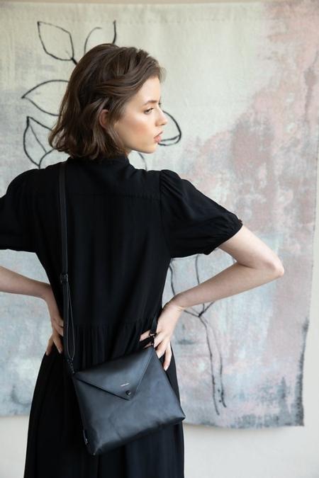 Handtas enveloppe - black