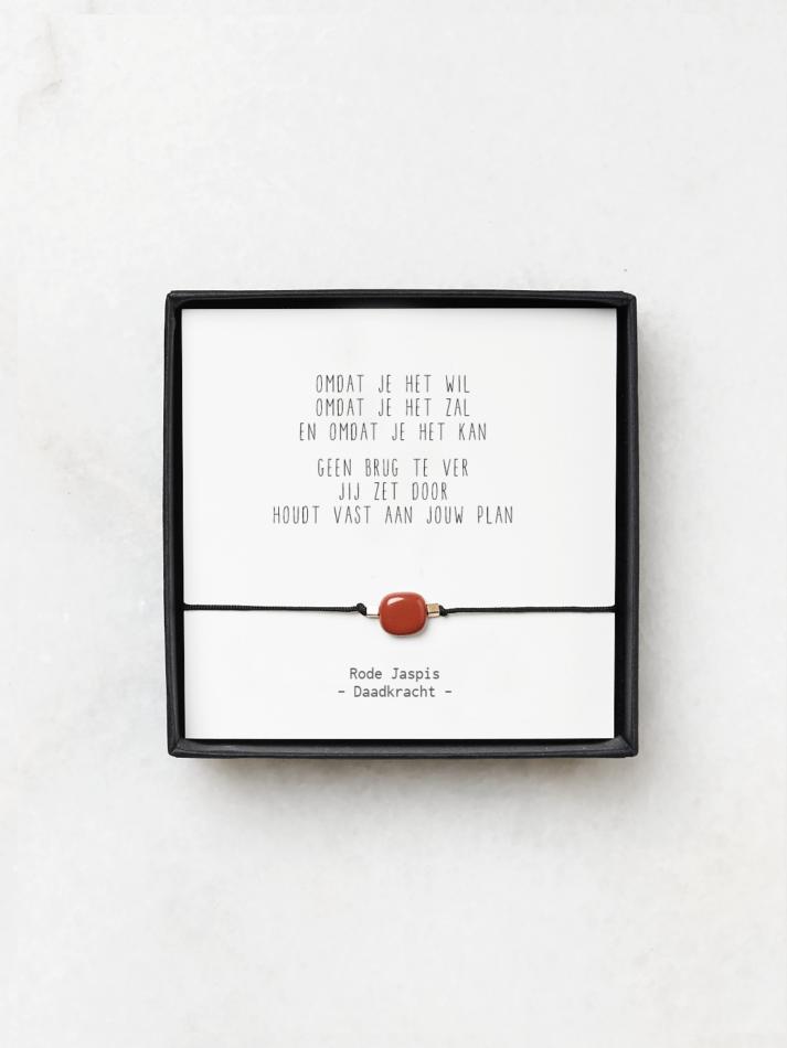 Armband met rode jaspis en gedicht energie en daadkracht