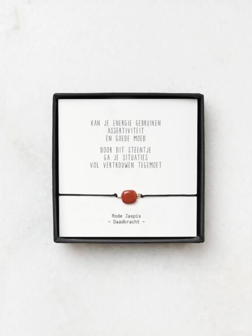 Armbandje rode jaspis en gedichtje moed